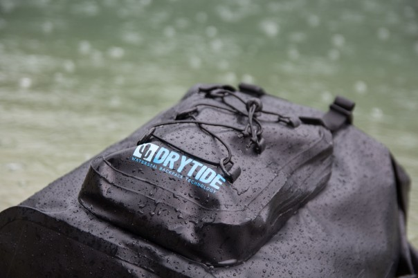 drytide-backpack-in-water-closeup